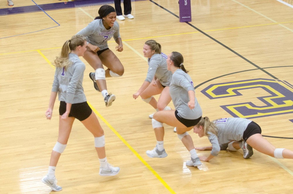 COUNTY VOLLEYBALL CHAMPIONSHIPS: Lady Indians snatch county title away with sweep of rivals